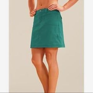 Athleta Hiking Outdoor Dipper  Skort